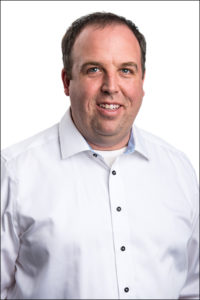 Image of Dr. Michael Dick our Senior Research Scientist that focuses on NMR rock core solutions